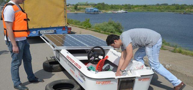 Испытание лодки на солнечных батареях в Нижнем  Новгороде.